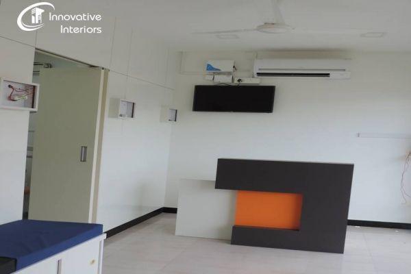 reception-tableA6EC0869-66EE-D7B5-8953-973E14F246BF.jpg